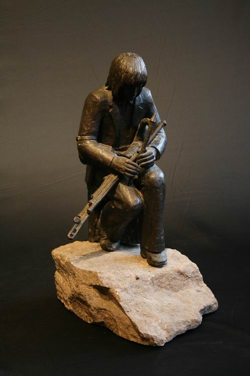 Paddy Keanan - The Piper in Bronze